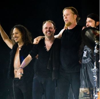 LET THE MUSIC DO THE TALKING : Metallica